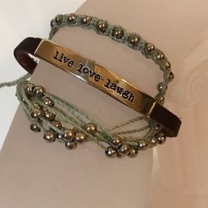Jewelry - 3 adjustable bracelets for the price of 1 !